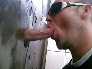 gloryhole outdoor fucking and sucking